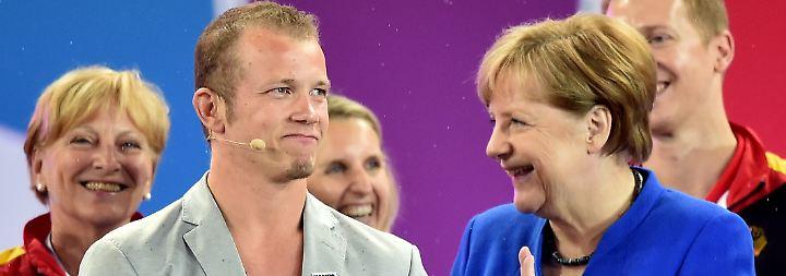 … Fabian Hambüchen und Jupp Heynckes sind nur einige, die ihren Hut für Merkel in den Ring werfen.
