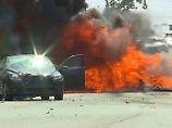 Horror-Unfall mit Happy End: Kleinflugzeug stürzt auf US-Highway