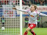 Emil Forsberg darf über einen Treffer mit Historie jubeln - den ersten in der Champions League für RB Leipzig.