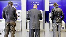 Geld ins Ausland überweisen: Gebühren können geteilt werden