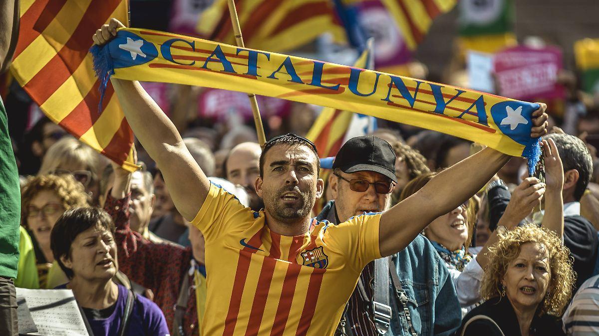 Katalanische Bürgermeister demonstrieren