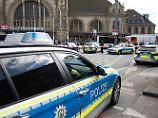 Täter bei Festnahme angeschossen: Frau in Krefeld stundenlang bedroht