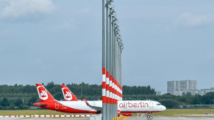 Der Verband Deutsches Reisemanagement sagt, dass Firmen nun tiefer in die Tasche greifen müssen, wenn sie für ihre Mitarbeiterflüge Air Berlin meiden und beispielsweise mit der Lufthansa verhandeln.