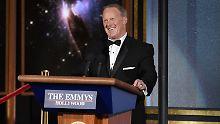 Trumps Ex-Sprecher auf der Bühne: Spicer überrascht alle bei Emmy-Verleihung