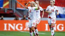 Jubel bei der Europameisterschaft - Teiljubel im Streit mit dem dänischen Verband. Pernille Harder (vorn) setzt sich für ihr Team ein