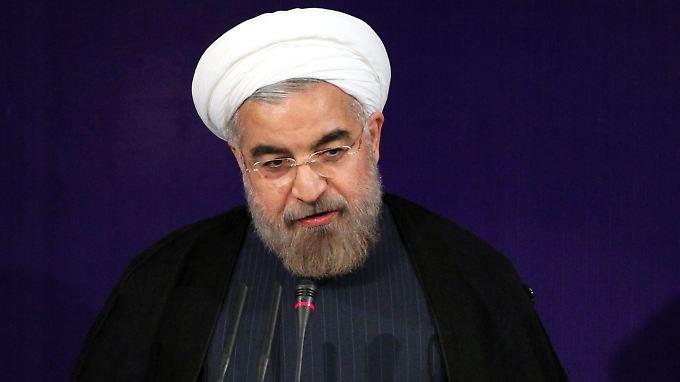 """Wenn es um die Verteidigung des Landes gehe, """"werden wir niemanden um Erlaubnis fragen"""", sagte Ruhani."""