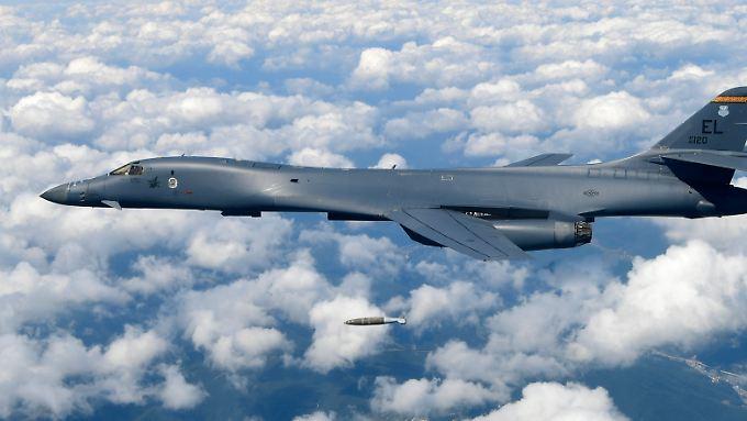 Ein amerikanischer B-1B-Bomber bei einem Manöver über Südkorea vor wenigen Tagen.