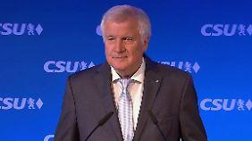 """Seehofer zum Wahlausgang: """"Müssen offene rechte Flanke schließen"""""""