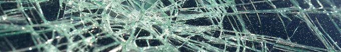 Der Tag: 19:01 Attacken auf Wohnung und Auto von AfD-Politikern