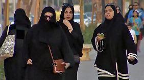 Modernisierung der Gesellschaft: Saudi-Arabien gewährt Frauen mehr Rechte