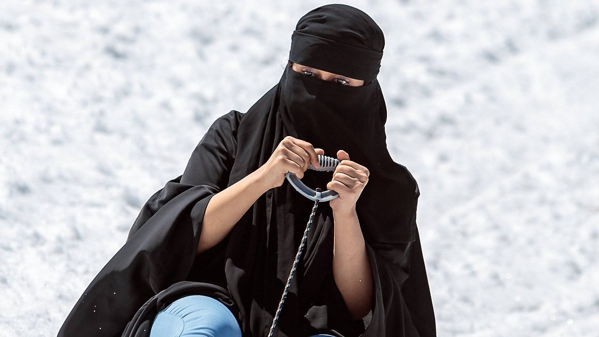 Kampf gegen die Burka beginnt am Flughafen