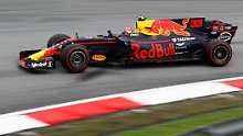 Hamilton wird früh überrascht: Verstappen siegt, Vettel fährt furios