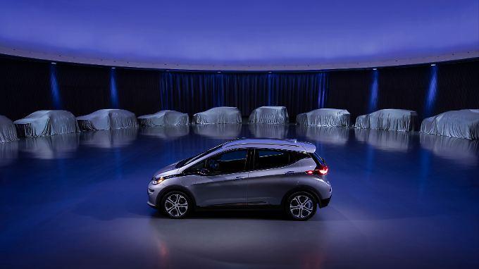 Der Chevrolet Bolt steht Modell für zwei Elektroautos, die GM in den nächsten 18 Monaten auf den Markt bringen will.