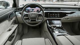 Technisch aufgerüstet zeigt sich auch der Innenraum des neuen Audi A8.