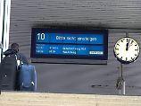 """Xavier"" hinterlässt Chaos: Wichtige Bahnstrecken sind noch gesperrt"