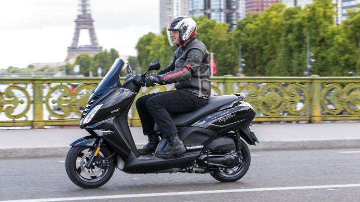 Stärker und komfortabler als der Speedfight 125 ist der neue Peugeot Citystar 125.