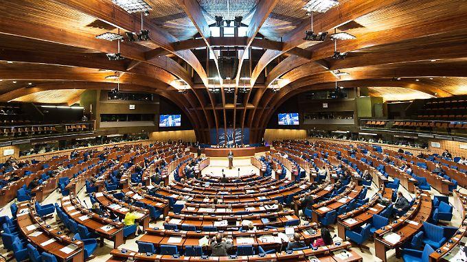 Der Europarat: eine ehrwürdige Institution, deren riesiger Sitzungssaal als Sinnbild für Größe und Trägheit gesehen werden kann.