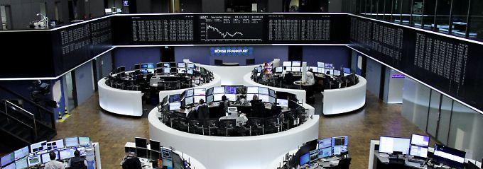 Montagshandel im Dax: zu Wochenbeginn biegt der deutsche Leitindex knapp vor der großen Dreizehn ab.