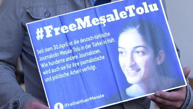 Antrag auf Haftentlassung abgelehnt: Mesale Tolu weist Terrorvorwürfe zurück