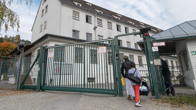 Knapp 15.000 Menschen stellten in Deutschland im September einen Asylantrag.