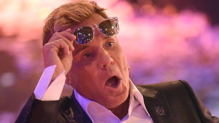 Dieter Bohlen muss sich an neue Nachbarn auf der Jury-Bank gewöhnen.