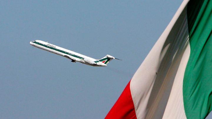 Die italienische Fluglinie steckt seit Jahren in der Krise und hielt sich wie Air Berlin nur mit Geldspritzen der arabischen Etihad in der Luft.