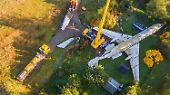 Etwa 80 Passagiere hatten darin einmal Platz - mehr als Günz Einwohner zählt. Im Sommer entschlossen die Baumanns, sich von dem 29 Tonnen schweren Koloss zu trennen.