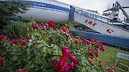 Seit 26 Jahren steht eine Tupolew 134 bei Familie Baumann aus Günz im Garten - gehört wie Rosen und Apfelbäume einfach dazu.