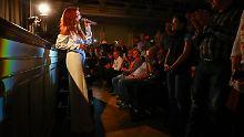"""""""Hautnah"""" bei den Fans: Andrea Berg feiert intimen Tourauftakt"""