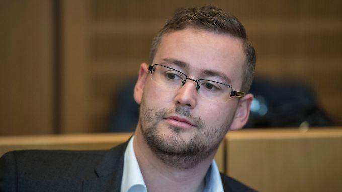 Sebastian Münzenmaier während des Prozesses in Mainz.