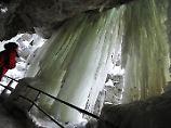 Hinter dem Eisvorhang: Allgäuer Breitachklamm lockt Besucher
