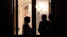 Merkel und die Runde der mehr als 50 Unterhändler verhandelten bis spät in die Nacht.
