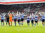 Der Sport-Tag: Vermummte greifen Duisburg-Fans bei Anreise an