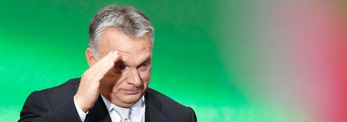 Viktor Orban, Verschwörungstheoretiker.