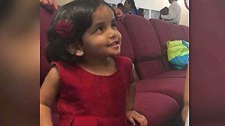 Nachts zur Strafe vor die Tür gesetzt: Dreijährige verschwindet in Texas, Polizei findet Kinderleiche
