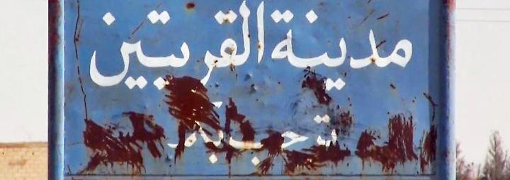 Dschihadisten in Syrien auf dem Rückzug: Abziehende IS-Kämpfer hinterlassen Tod und Zerstörung