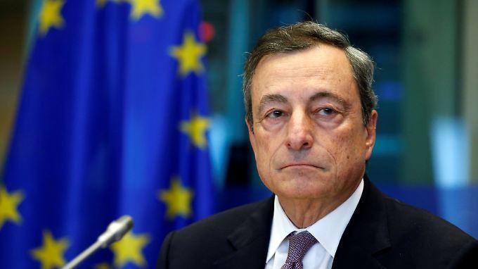 EZB-Chef Mario Draghi: Beobachter gehen davon aus, dass die EZB bei ihrer Oktober-Sitzung den Leitzins unverändert bei null Prozent belässt.