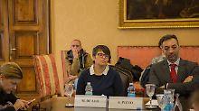Maya de Leo (li.) und Antonio Pizzo stellten das neue Fach eingehend vor.