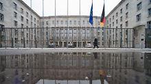 Im Falle eines FDP-Ministers: Union erwägt Spaltung des Finanzressorts