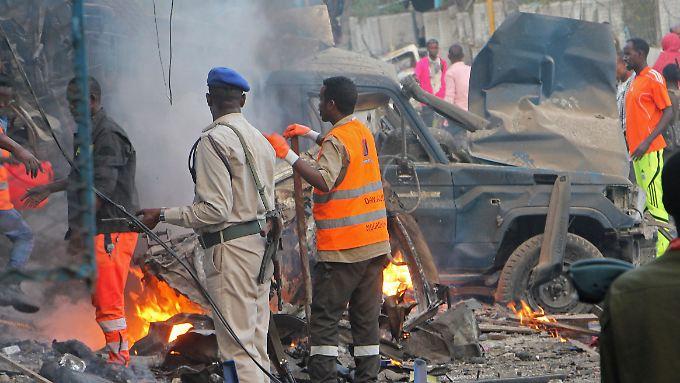 Nur noch Schutt: Eine Bombe explodierte nahe eines Hotels.