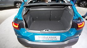 In den Kofferraum des Citroen C4 kann man tief abtauchen.