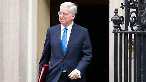 Neuer Verdacht auch in Hollywood: Britischer Minister tritt nach Belästigungsvorwurf zurück