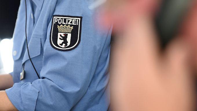 Die Polizei überprüft die anonyme Sprach-Mail, in der ein Ausbilder unhaltbare Zustände an der Berliner Akademie beklagt.