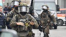Bewaffneter im Jugendamt: Polizei nimmt Geiselnehmer fest
