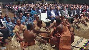 """Hendricks: """"Von Trump nicht beirren lassen"""": Fidschi eröffnet Klimakonferenz in Bonn"""