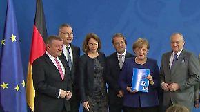 """Merkel: """"Politisch nicht so einfach"""": Wirtschaftsweise fordern Steuerentlastungen"""