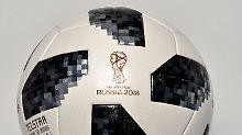 "Hommage an WM 1970: Der ""Telstar 18"" soll in Russland rollen"