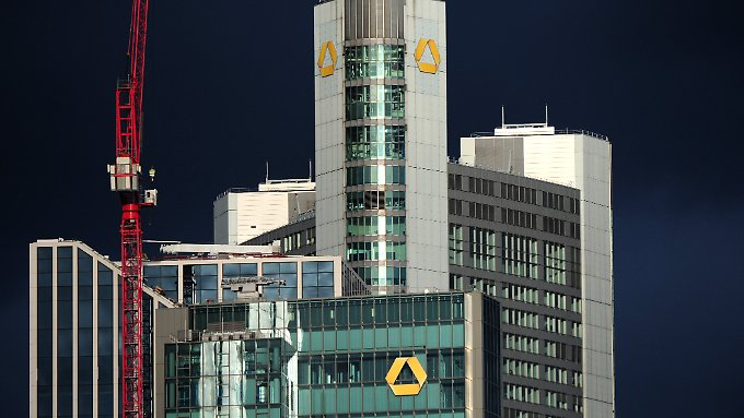 Die Commerzbank wird erneut von dem Skandal um die umstrittenen Cum-Ex-Geschäfte heimgesucht.
