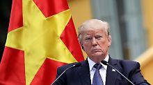 Er vertraut Putin - und der CIA: Trump erklärt, was er meinte