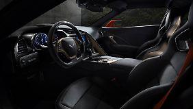 Ganz auf Sport ist auch der Innenraum der ZR1 getrimmt.